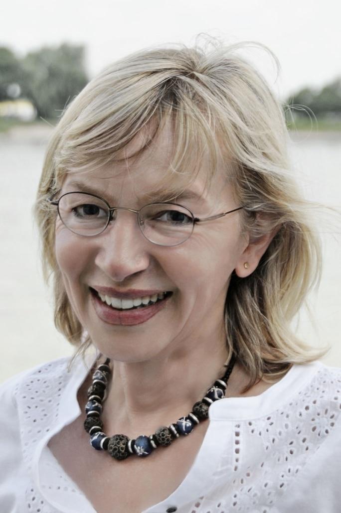 Frau Marion Volkwein